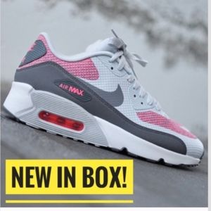 🔥NEW NWT🔥 Nike Air Max 90 Ultra with box